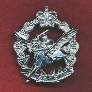 Hat Badge - 5th Aviation Regiment  (2nd Pattern)