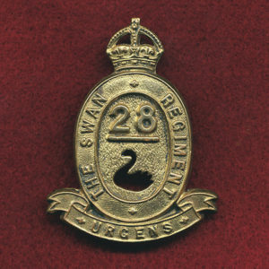 28 INF BN Hat Badge (Swan Regt)  (30/42)