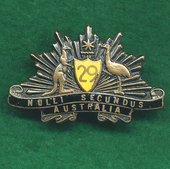 29 INF BN Collar Badge - (E- Melbourne Regt) (30/42)