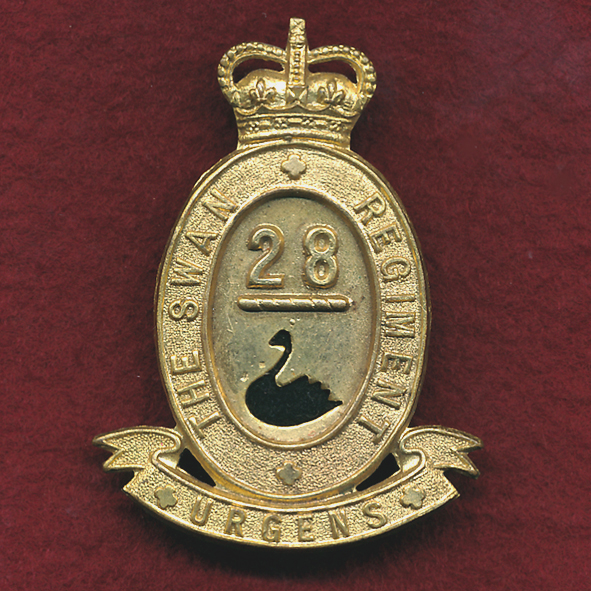 28 INF BN Hat Badge (Swan Regt  (53/60)