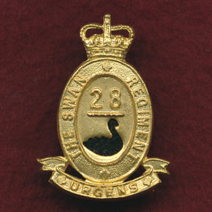 28 INF BN Collar Badge (w/R) (Swan Regt)  (53/60)