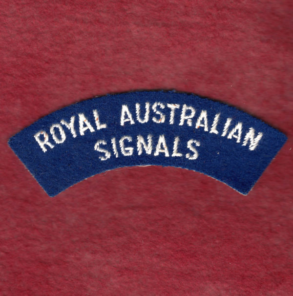 Shoulder Title - RA SIGS  - (u/b)
