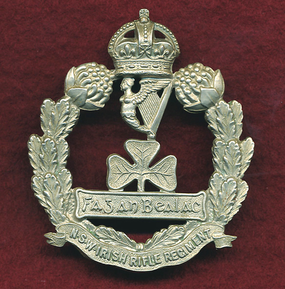 NSW IRISH RIFLES Hat Badge  (WM)  (1900-12)