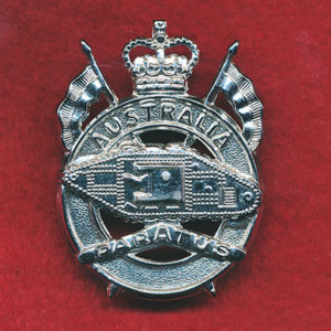 1st Armoured Regiment Hat Badge (post 60) (Var.1)