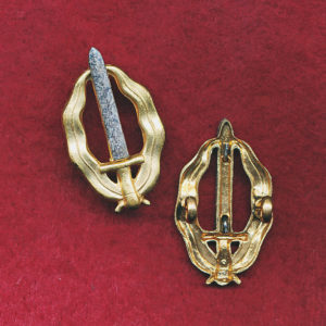 RA INF  - Collar Badge (53/60)