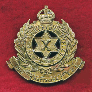 10 INF BN Hat Badge (Adelaide Rifles) (30/42)