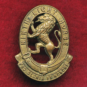 9 LHR (Flinders Light Horse) Collar Badge (w/L) (30/42)