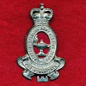 Hat/Cap Badge - RAANC  (53/60)