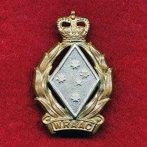 Hat/Collar Badge (53/64) - WRAAC (Luke)