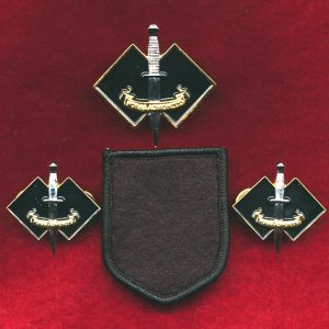 2 CDO REGT Hat Badge and Collar Badge set