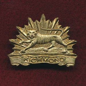 22 INF BN Collar Badge (w/L) (Richmond Regt.)