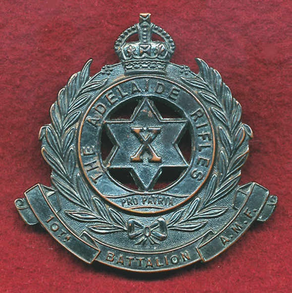 10 INF BN Hat Badge  (30/42)