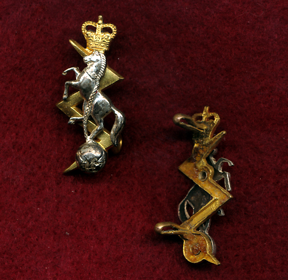 Collar Badge - RAEME  (w/L) (53/60)