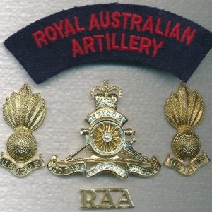 Hat, Collars and Titles set - RAA  (Officers) (A/A)
