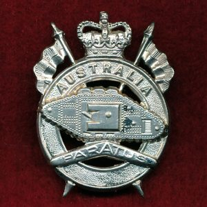 1st Armoured Regiment Hat Badge (53/60) (Var.4)