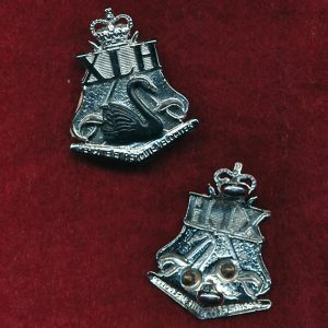10th Light Horse Regt Collar Badge (w/R) (53/60)