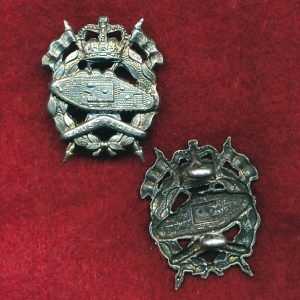 RAAC - Collar Badge (w/L)  (53/60)   (Var 4)