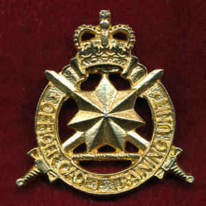 Hat Badge - OCTU - The Officer Cadet Training Unit